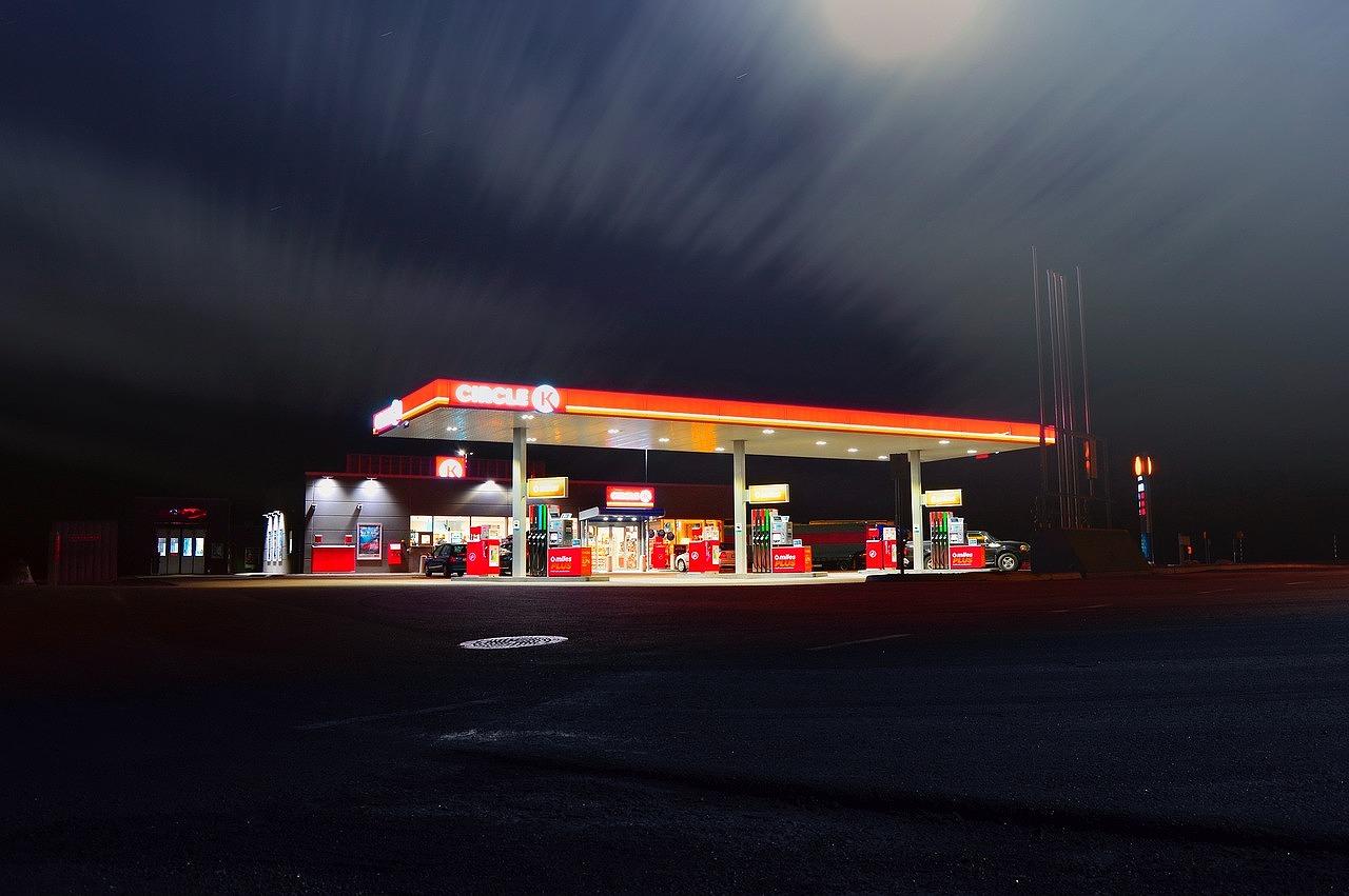 rentalcar-gas-station1